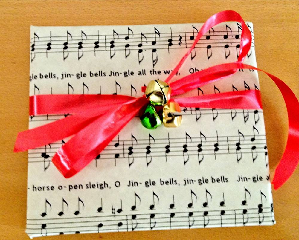 Musical Christmas Gift Wrap