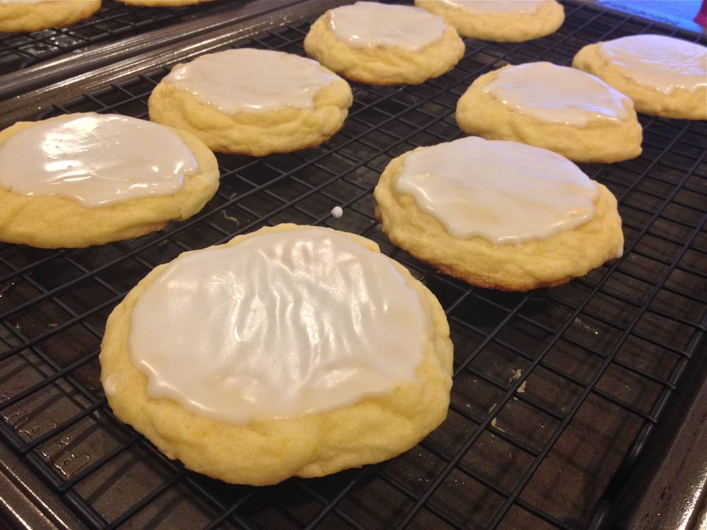 Buttery and Soft Lemon Cookies with Icing Recipe