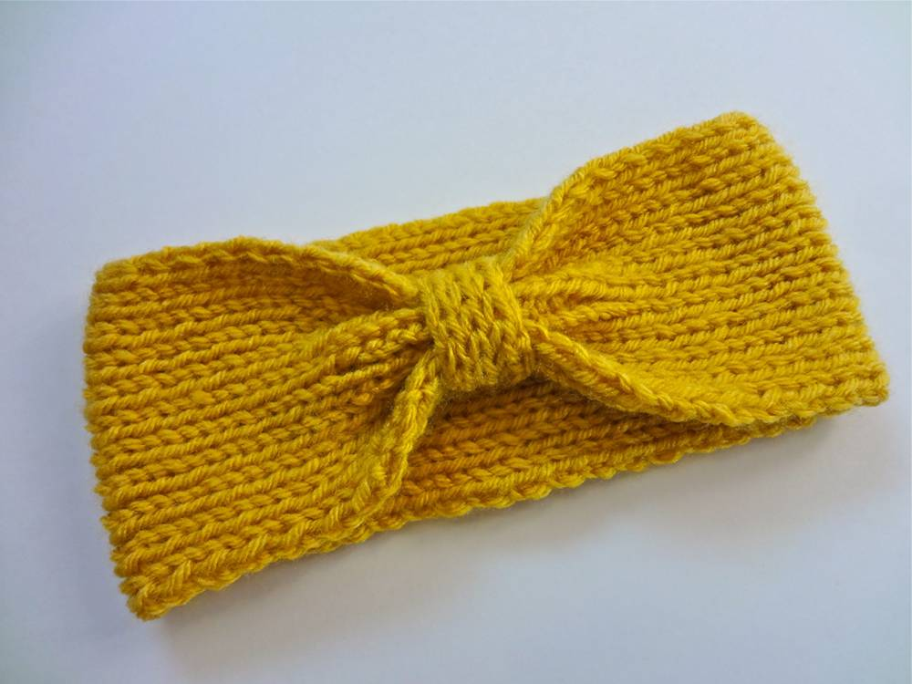 DIY Knit Bowtie Headband