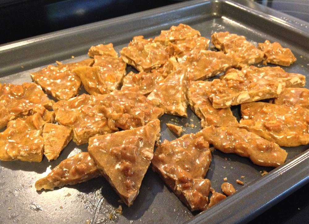 Recipe for Spicy Cashew Brittle