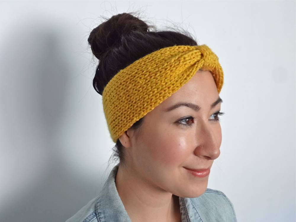 Side View of Knit Bowtie Headband